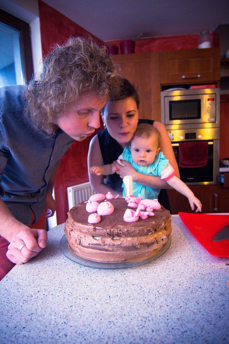Tort czekoladowo - czekoladowy ;-)