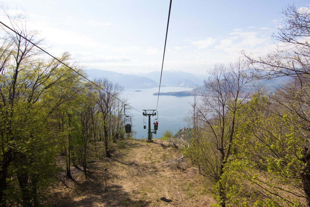 Kolejka liniowa nad jeziorem Maggiore